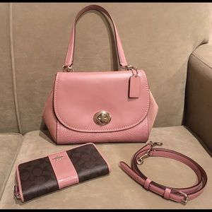 Coach Faye Bag /Wallet Dusty Rose (Price is Firm)